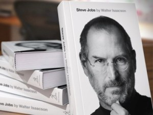 the-steve-jobs-biography-is-the-best-selling-book-of-the-year-for-amazon